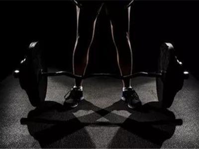 初级杠铃一周健身计划方案