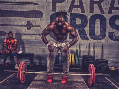 高强度增肌锻炼健身计划