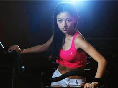 腹肌马甲线锻炼方法