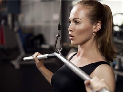 健身模特肌肉锻炼计划一周表