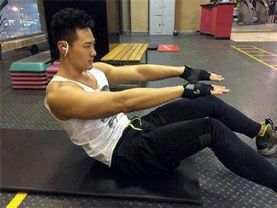 适合自主锻炼的胸肌练习计划
