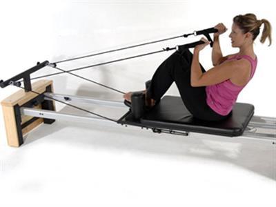 三个动作锻炼出完美胸肌