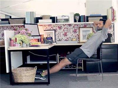上班族办公室健身保持健康方法