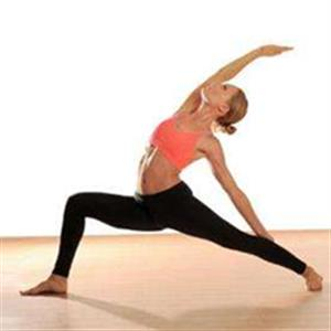 适合初学者的瑜伽动作推荐_瑜伽入门从这些动作开始