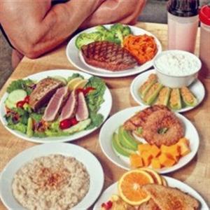 中午健身应该如何搭配饮食
