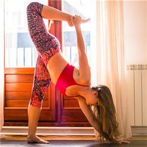 适合冬季锻炼的三组瑜伽体式
