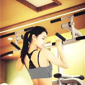 每天练这个四个动作,不去健身房也能锻炼