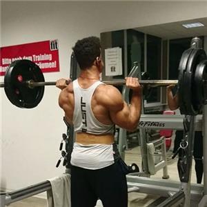 健身房锻炼入门的几个健身动作