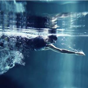 冬季更适合练习游泳的原因