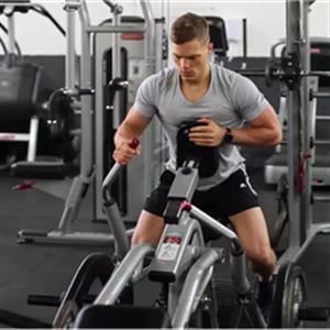 健身房背部训练计划