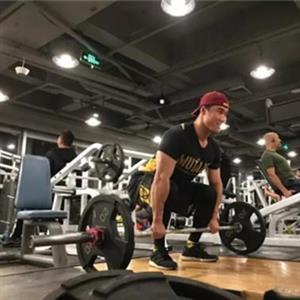锻炼背部必做的五个健身动作