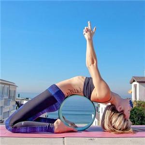 练习瑜伽常用器材