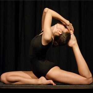 选对时间练习瑜伽十分重要